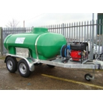 Self contained mobile trailer mounted bowser with NATO hitch